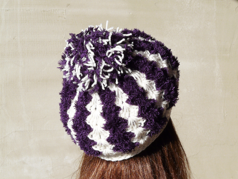 Pom pom crochet hat eggplant white soft hat