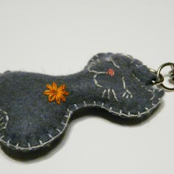 Felt cat keychain grey cute cat keychain orange flower